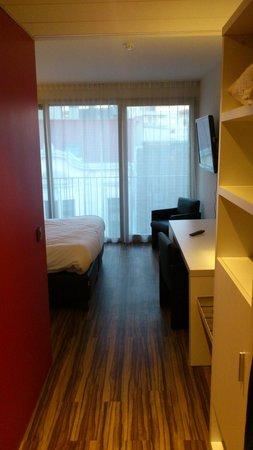 Royal Astrid Hotel : Entrée dans la chambre
