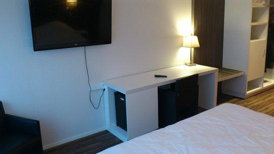 Royal Astrid Hotel : Télé écran plat