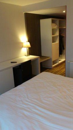 Royal Astrid Hotel : De nombreux rangement pour le linge