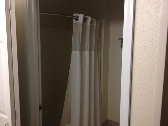 Staybridge Suites Sioux Falls: 2nd bathroom