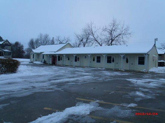 Osceola IA Evergreen Inn Christmas Morning