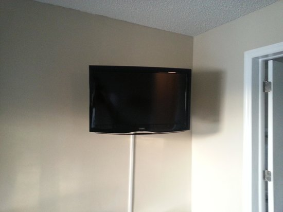 Sweetwater Club Villas and Apartments : master bedroom tv