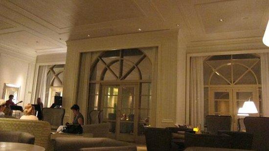 The Ritz-Carlton, Grand Cayman: near lobby, first evening with live jazz