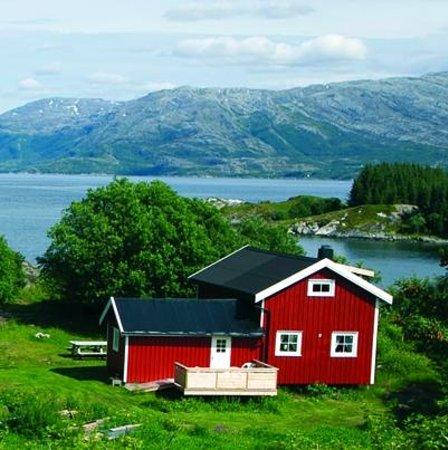 Kystriksveien: Idyllic accommodation on the island Dønna.  Photo: Inge Ove Tysnes.