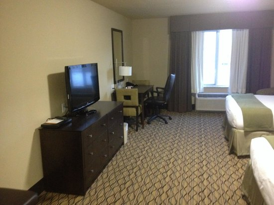 Holiday Inn Express & Suites Williston: Plenty of room