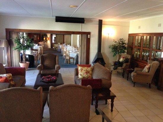 Umtali Country Inn: Hotel Lobby