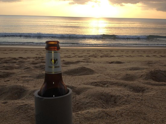 SALA Phuket Resort & Spa: beer o'clock on  the beach