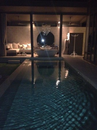 SALA Phuket Resort & Spa: lap pool and outdoor bath!