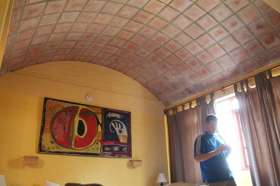 Casa de Baraybar: The cool ceiling in our room