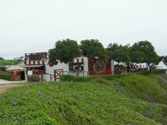 Casa de Baraybar : The cafe down the street on the cliffs..yum!
