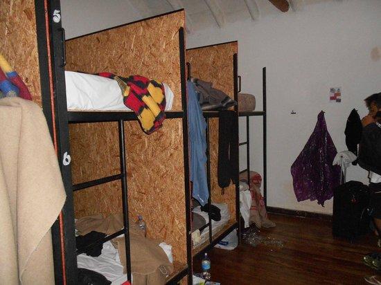 Milhouse Hostel Cusco : Privacidade no isolamento entre as camas!!!!