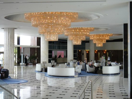 Fontainebleau Miami Beach: Salao principal