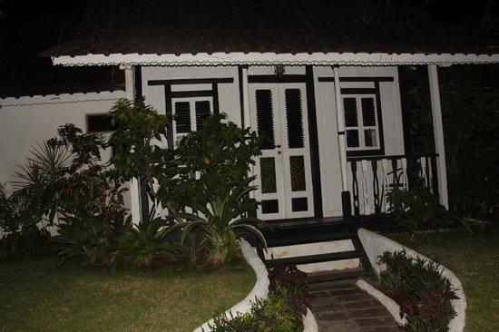 Hotel Puri Tempo Doeloe: A Villa