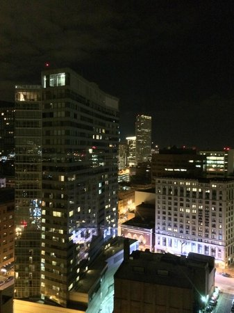 Revere Hotel Boston Common: Night view of Boston from the Penthouse