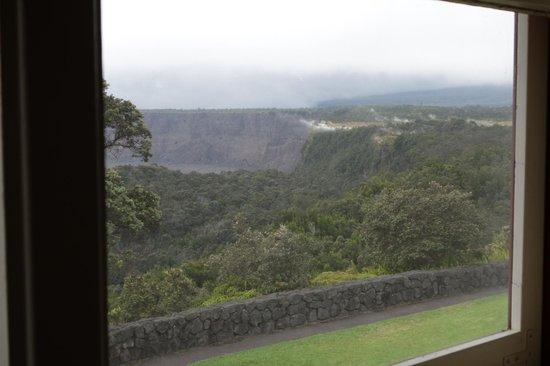 Volcano House: Kraterrand vom Speisesaal aus