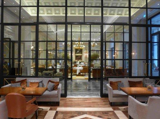 Palazzo Parigi Hotel & Grand Spa: Cracco from the bar area