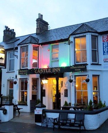 Castle Inn Criccieth: Outside of the pub