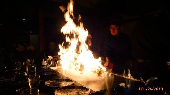 Sakura Sushi & Teppanyaki: Sakura Dec 2013 big flame