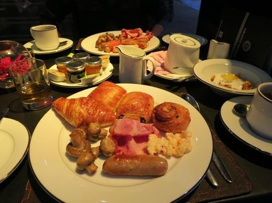 Grange Tower Bridge Hotel : 朝食の美味しいデニッシュ