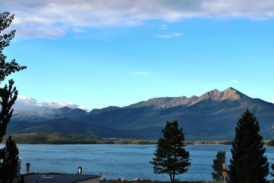 Spinnaker at Lake Dillon: View of the Dillon reservoir and front range mountains from the condo balcony