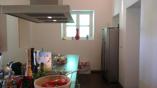 Scuba Lodge & Suites : Kitchen