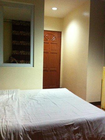 Hotel 45: A Nice room - pwede na di ba