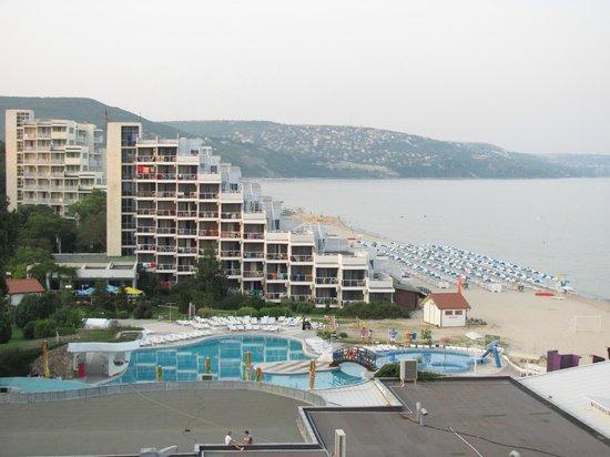 Hotel Slavuna: Вид с соседнего отеля