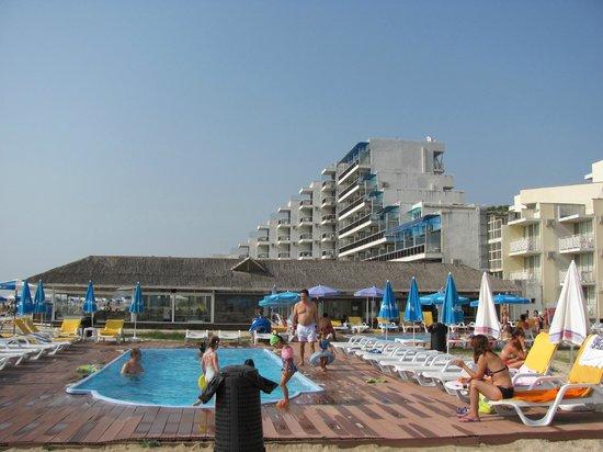 Hotel Slavuna: Бассейн