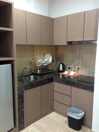 The Centro Hotel and Residence: kitchen/ pantry - which is greasy