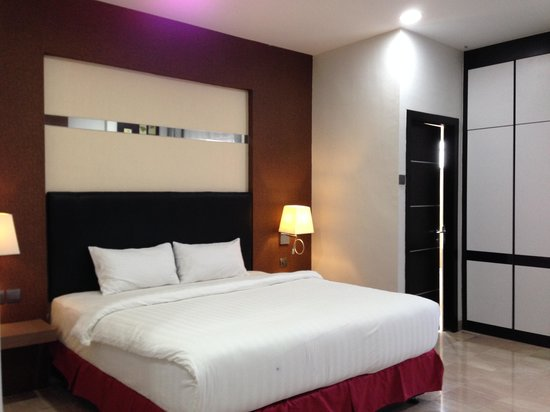 The Centro Hotel and Residence: sleep area within studio executive room 323