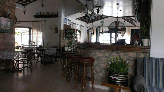 Anais Bay Hotel : бар совмещен с трапезной зоной