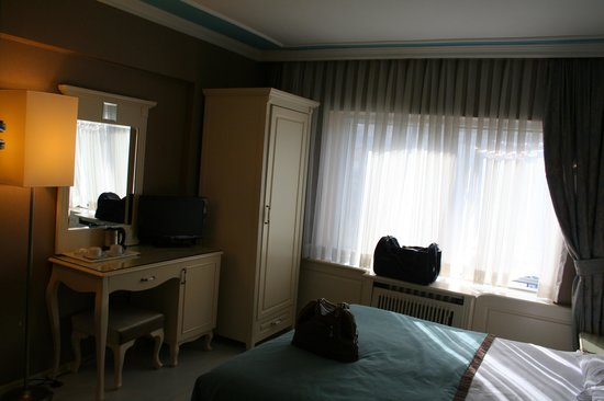 Metropol Hotel: our room