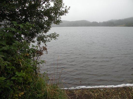 Auberge du Lac de Guery : le lac vu de la chambre