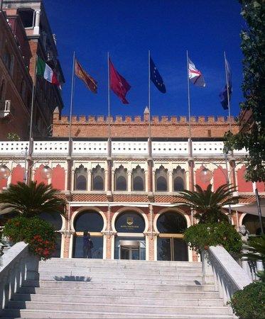 Hotel Excelsior: Aussenansicht des Hotels
