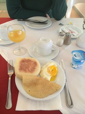 Hotel Chems : Café da manhã