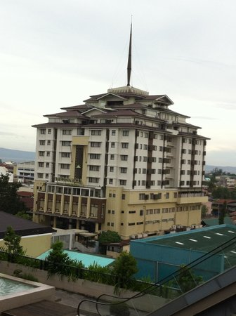 The Pinnacle Hotel and Suites: View from Gaisano Mall
