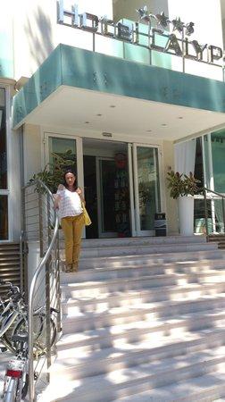 Hotel Calypso: Вход в отель