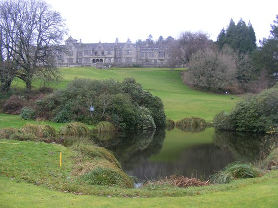 Bovey Castle Hotel: Gardens and hotel