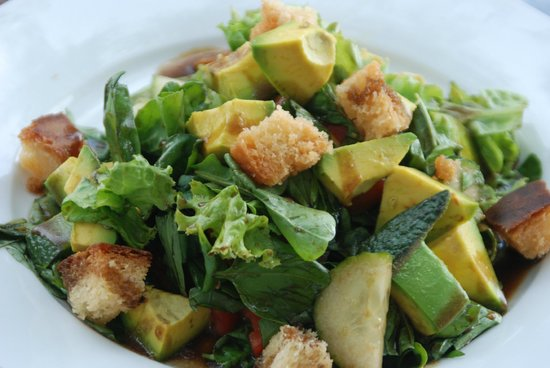 Chundukwa River Lodge: delicious salad with local produce