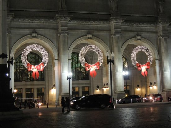 Monuments by Moonlight Night Tour: Front of Union Station