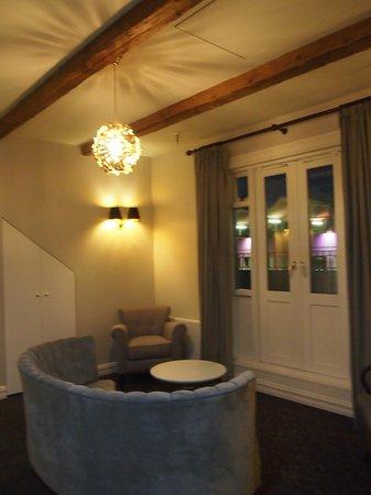 Reykjavik Residence Suites: Sitting area on 2nd floor