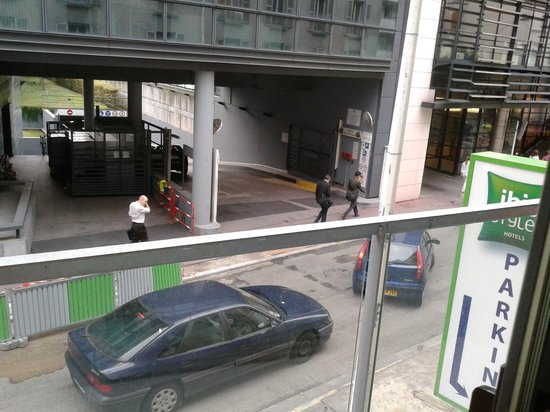 """Ibis Styles Paris Porte D'orleans: Vue sur l""""arrière de l'hotel"""
