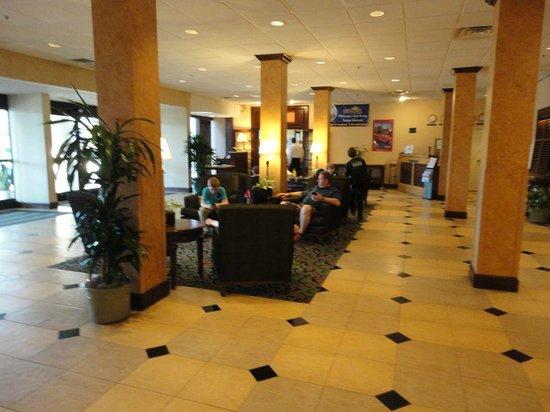 Clarion Hotel Anaheim Resort : Lobby