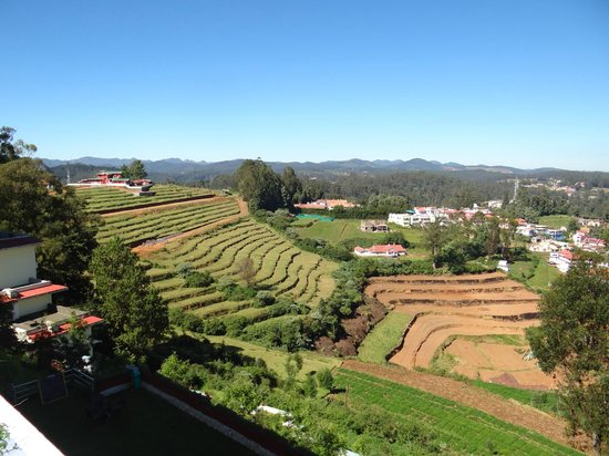 Sterling Ooty Elk Hill: Awesome view from the hotel balcony