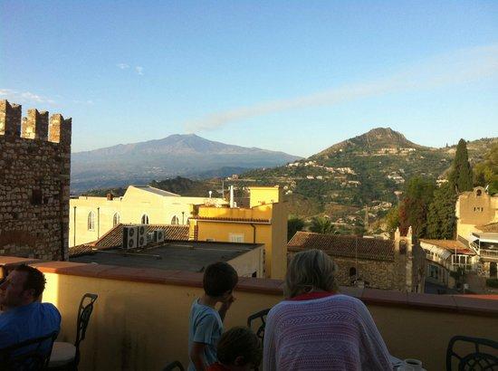 Hotel Del Corso: terrasse petit dej