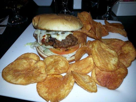 Bonnie Kate Cafe: Diablo Burger!