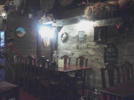 Bodegon Matias: Ambiente rustico