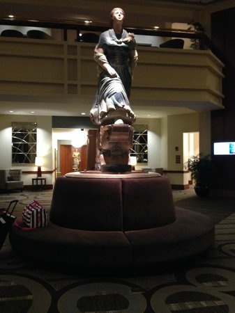 Hilton Boston Logan Airport: Lobby