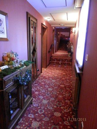 Hotel Le Mittelwihr : Couloir au 1er étage