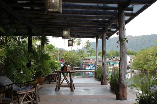 The Mangrove Hideaway Koh Chang: Terrasse